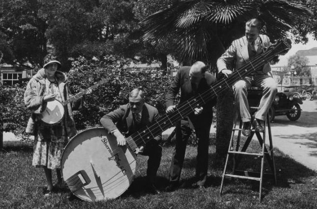 Band giant banjo via louder and funnier